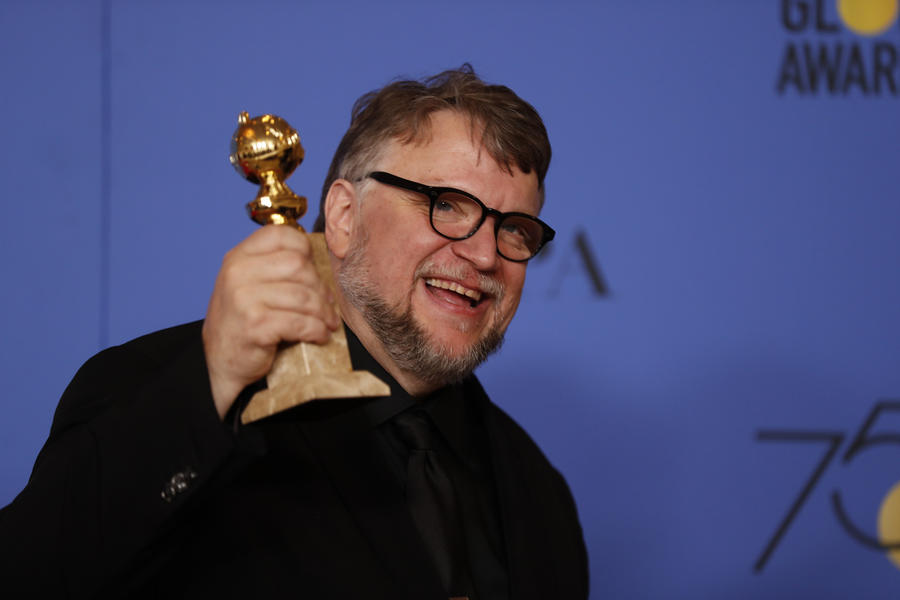 Guillermo del Toro wins the 2018 Golden Globe for Best Director